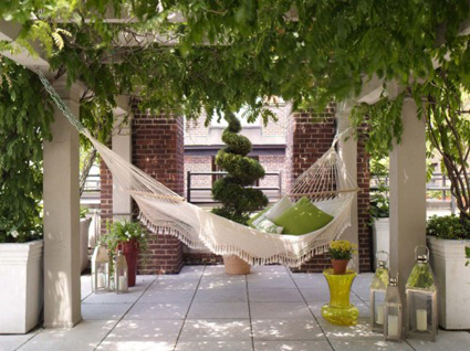 hammocks for outdoor decor